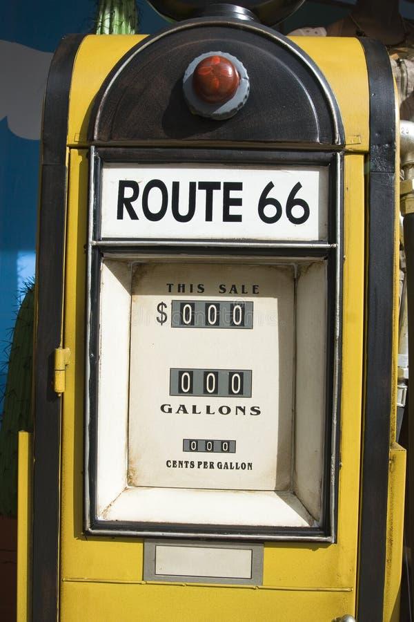 Oude benzinepomp royalty-vrije stock fotografie
