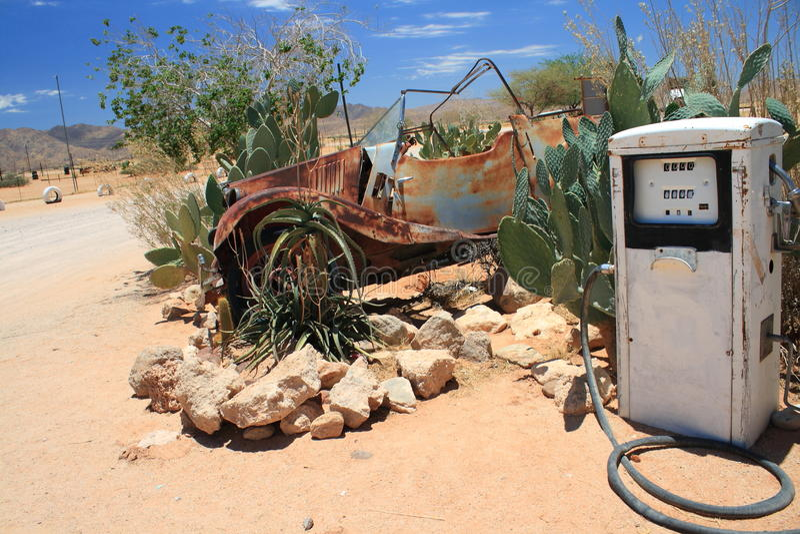 Oude benzinestationpomp stock afbeelding