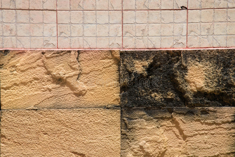 Oude Beton En Bakstenen Muur Stock Foto   Afbeelding  59224388