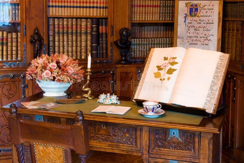 Oude bibliotheek royalty-vrije stock fotografie