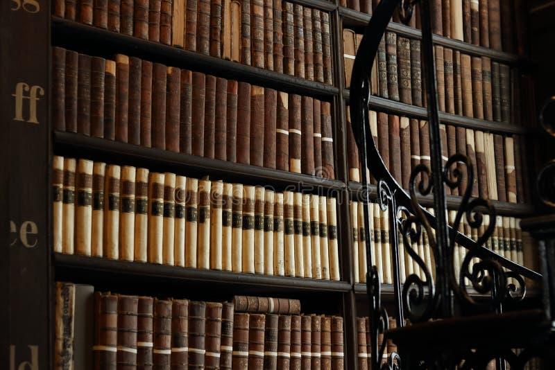 Oude Bibliotheek in Trinity College stock foto's