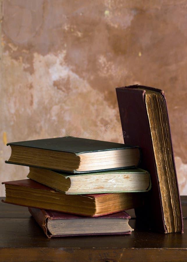 Download Oude Boeken stock foto. Afbeelding bestaande uit wijnoogst - 10779792