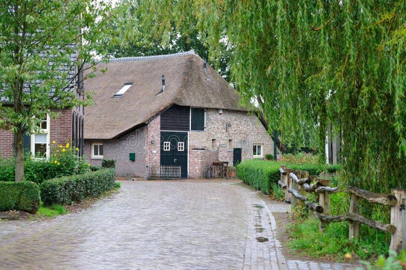 Oude boerderij in Holland stock foto's