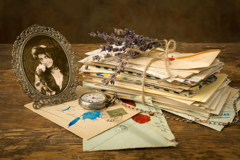Oude brieven en een portret royalty-vrije stock afbeelding