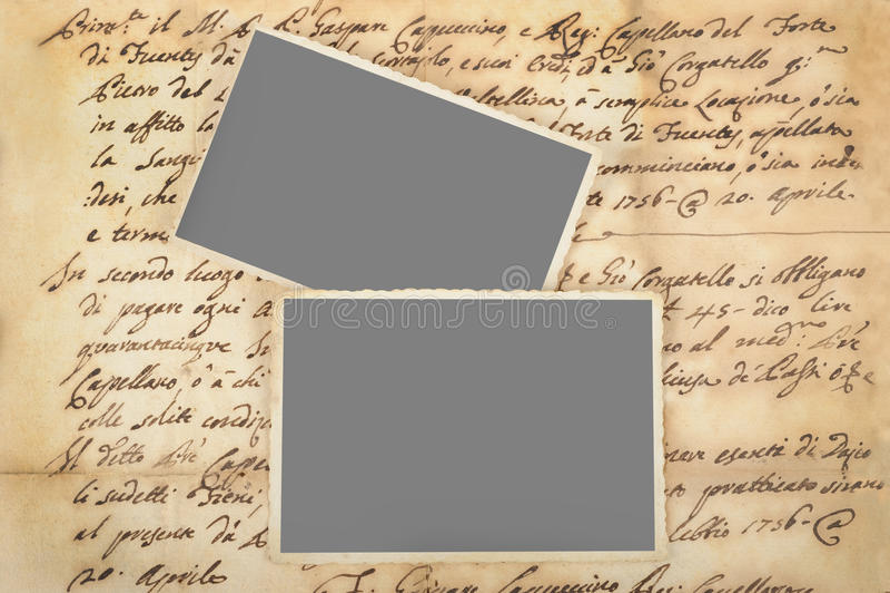 Oude brieven met beelden royalty-vrije stock foto's