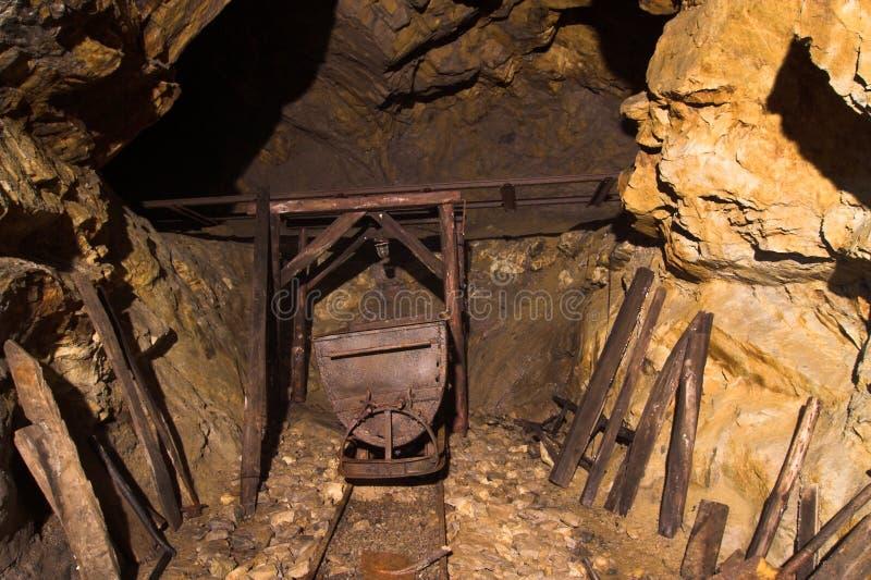 Oude bunker van ii wereldoorlog - Wlodarz stock foto