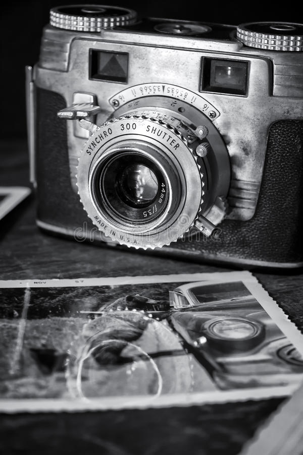 Oude Camera met Foto royalty-vrije stock foto's