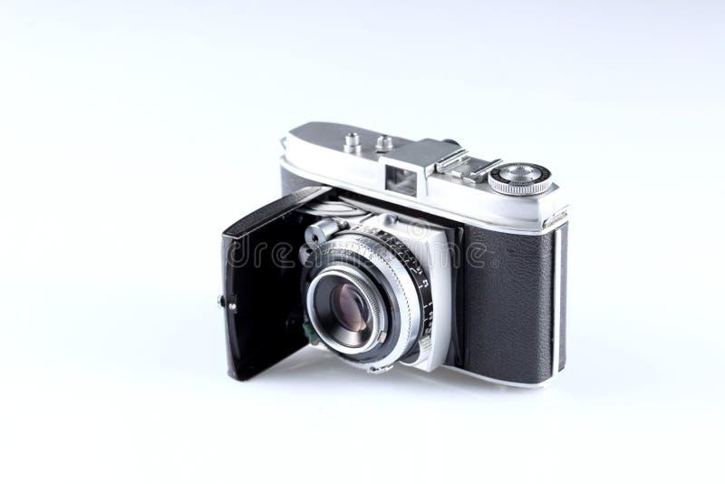Oude camera op witte achtergrond met exemplaarruimte royalty-vrije stock fotografie