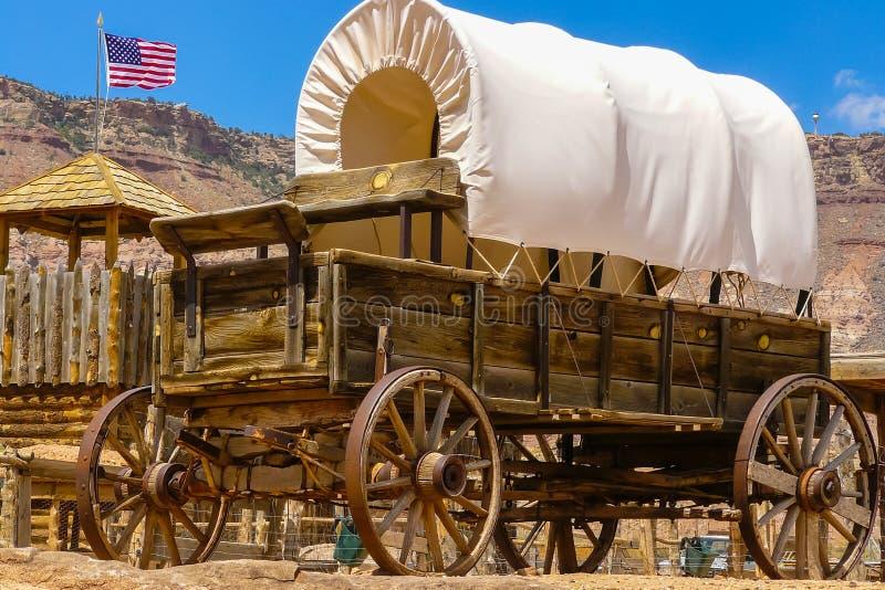 Oude caravan van het oude westen royalty-vrije stock fotografie