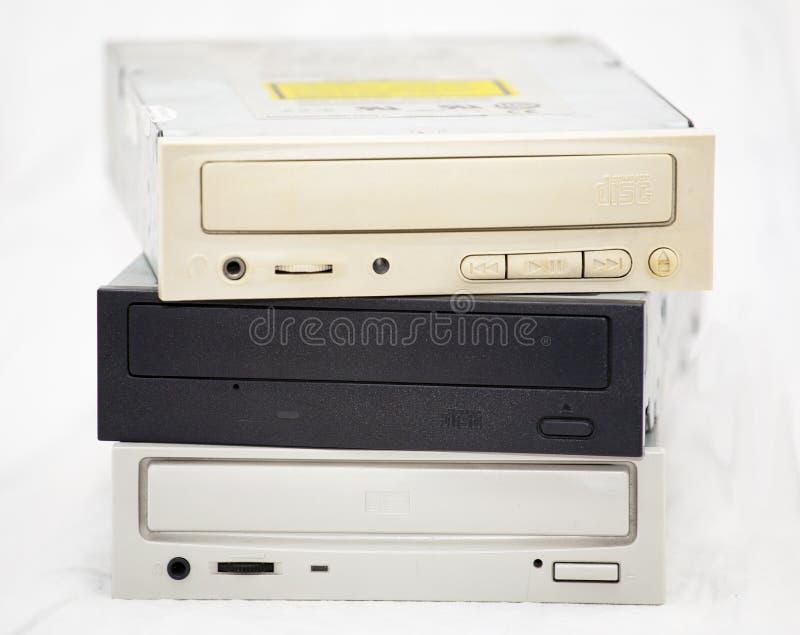 Oude CD-roms in een stapel stock afbeeldingen