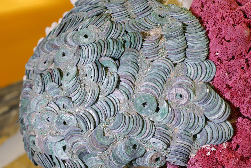 Oude Chinese kopermuntstukken stock afbeeldingen