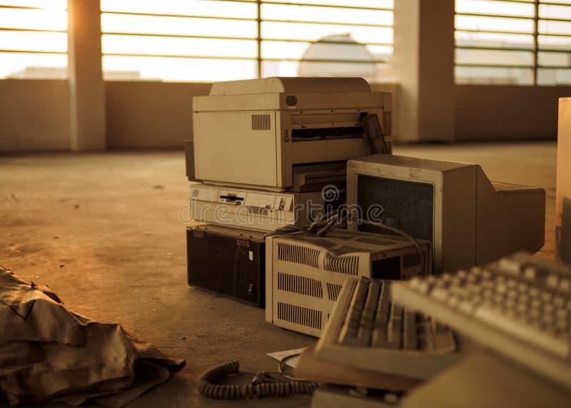 Oude Computerapparatuur royalty-vrije stock afbeelding