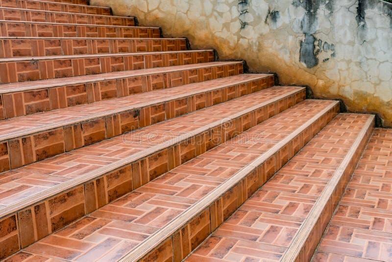 Oude concrete trap stock afbeelding