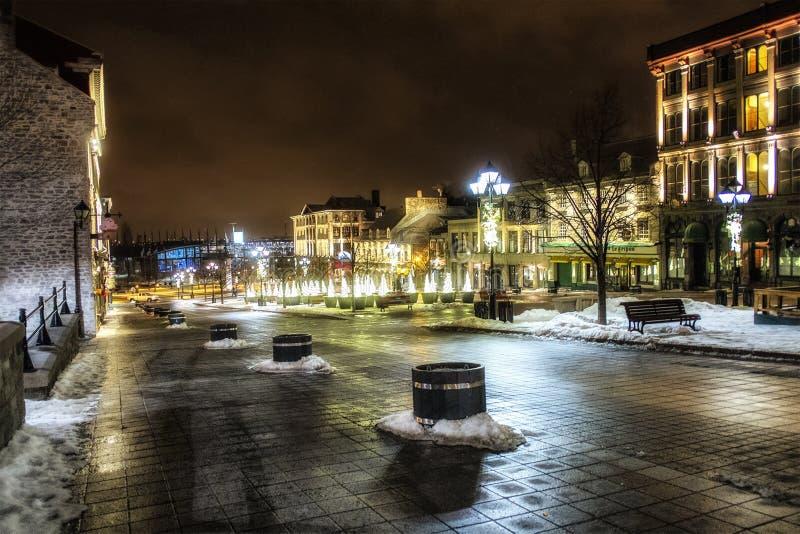 Oude de nachtscène van Montreal stock afbeelding