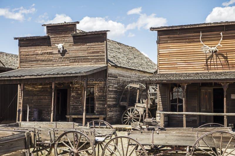 Oude de opslag voor westelijke gebouwen van de sleepstad stock afbeelding