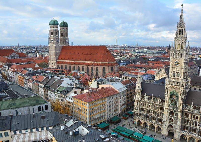 Oude de stads luchtmening van München stock fotografie