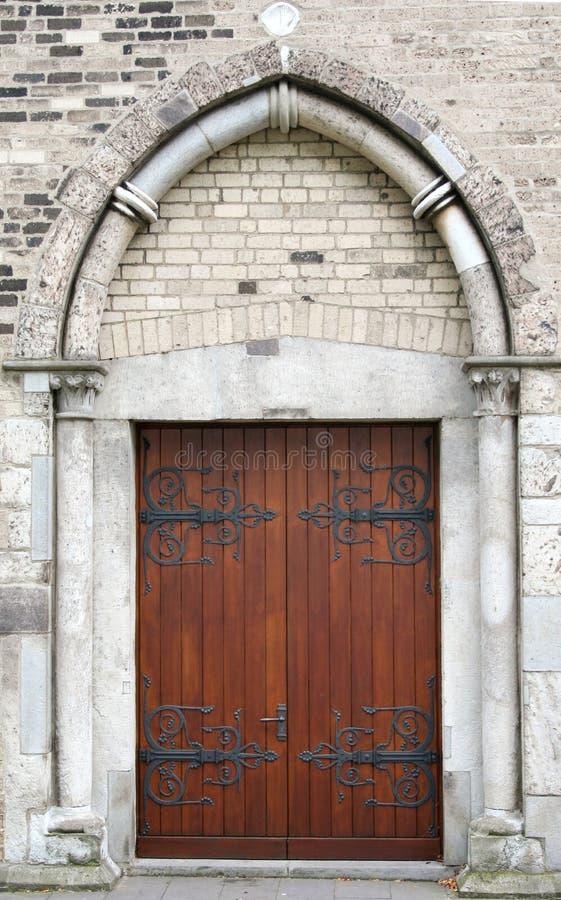 Oude deur/poort stock afbeelding