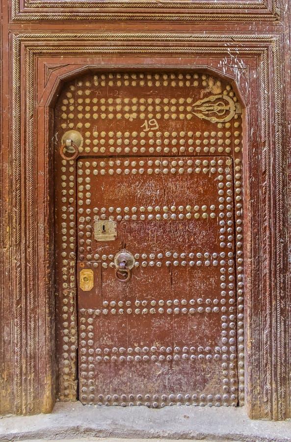 Oude deur van een traditioneel Marokkaans huis royalty-vrije stock afbeelding