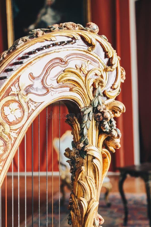 Oude dichte omhooggaand van de instrumentenharp royalty-vrije stock afbeelding