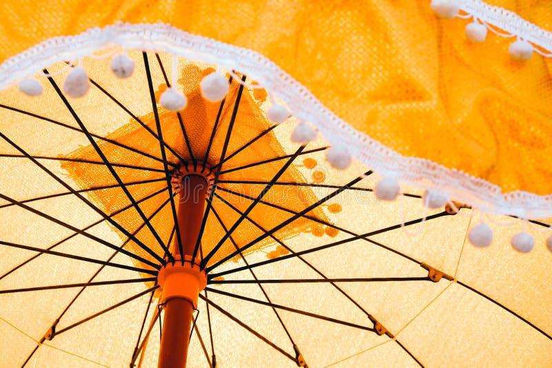 Oude die paraplu's in de ordeningsceremonie worden gebruikt stock afbeelding