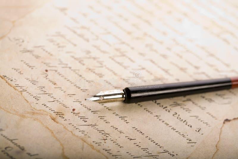 Oude document & Pen royalty-vrije stock afbeelding