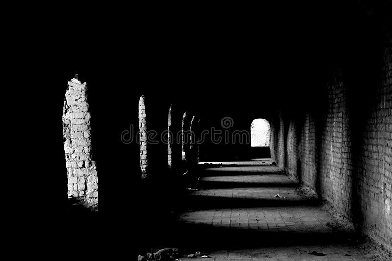Oude Donkere Passage Stock Foto's