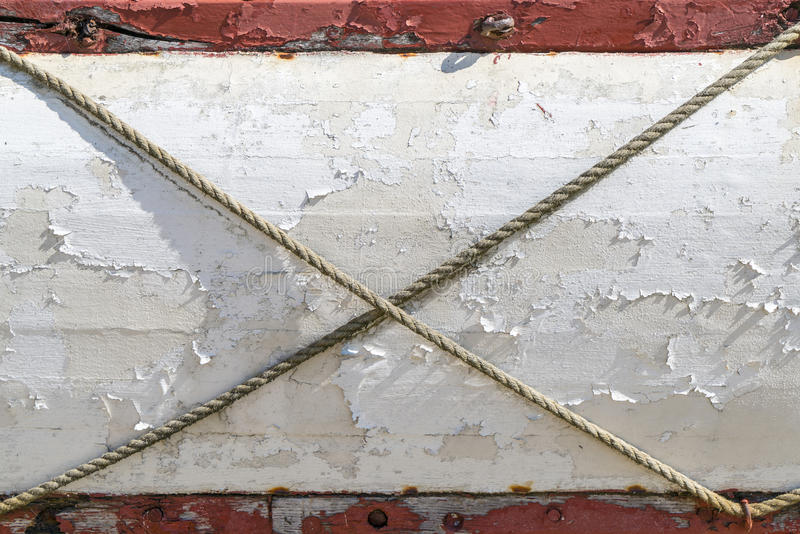 Oude doorstane planken van een boot royalty-vrije stock afbeeldingen
