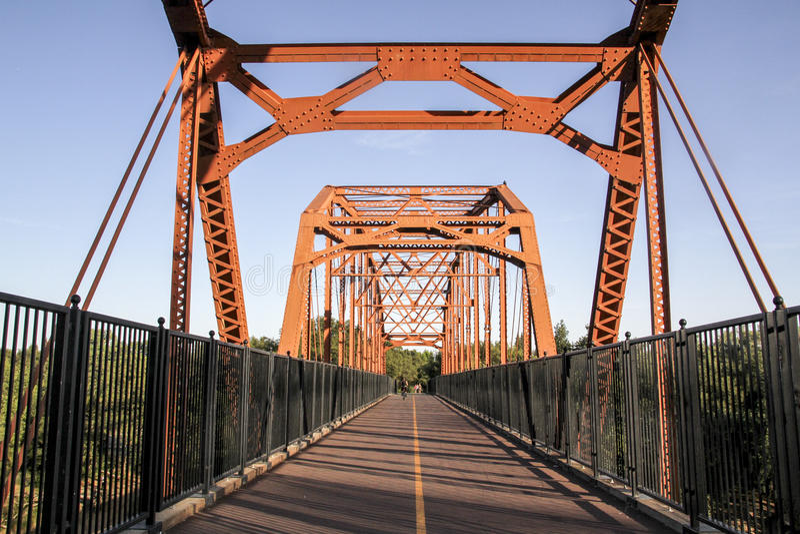 Oude Eerlijke Eikenbrug over stock foto