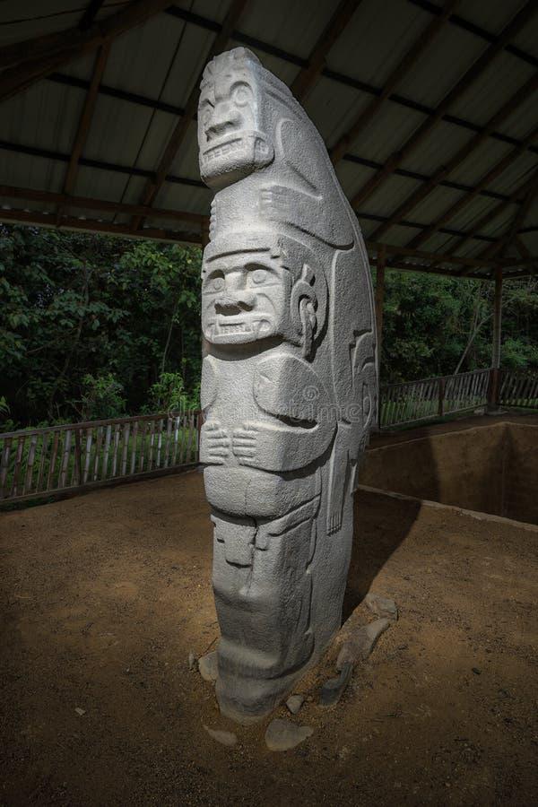 Oude ernstige standbeeldclose-up in Colombia stock fotografie