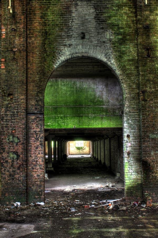Oude fabrieksruïnes royalty-vrije stock fotografie