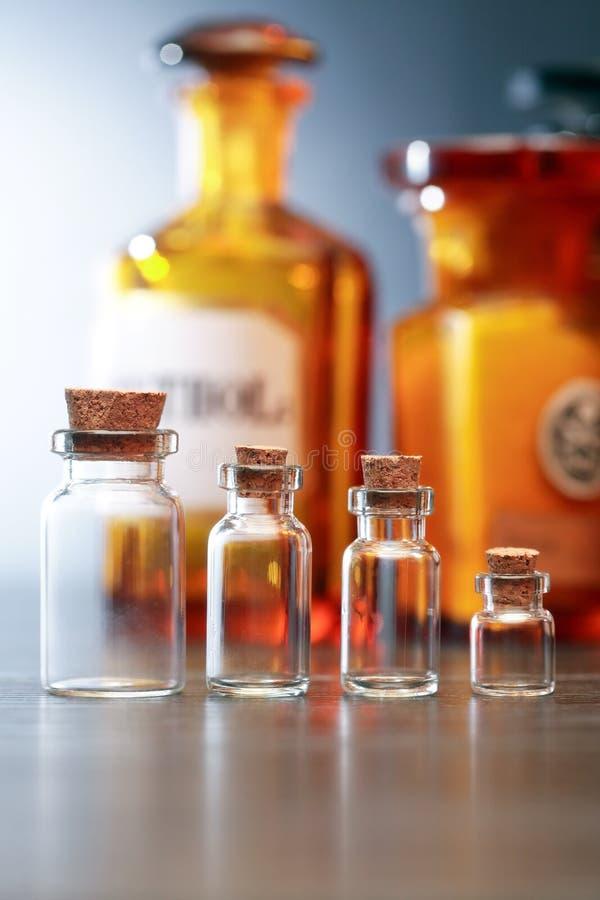 Oude Farmaceutische Fiolen royalty-vrije stock afbeeldingen