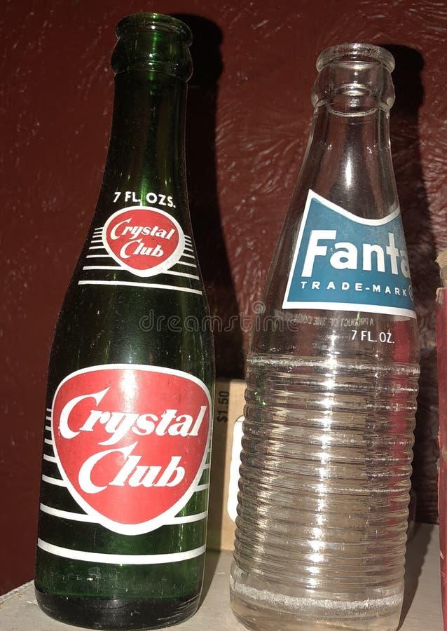 Oude flessen soda stock afbeelding