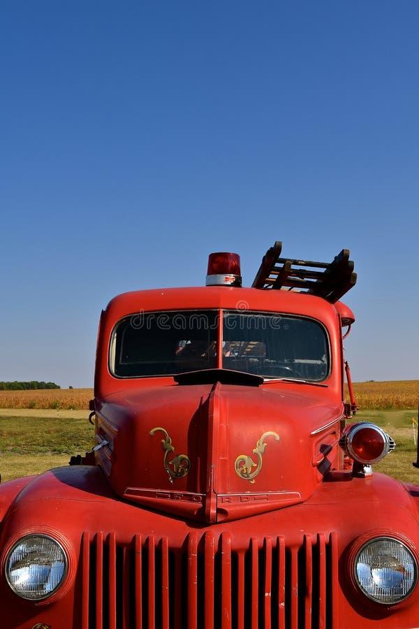 Oude Ford-brandvrachtwagen stock afbeelding