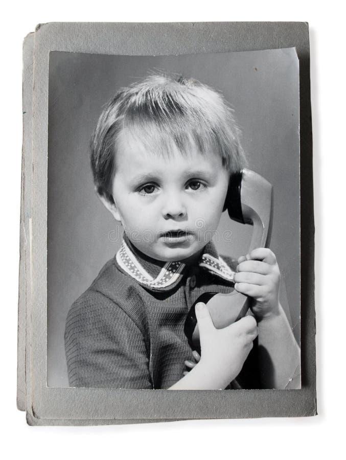 Oude foto in een uitstekende photoalbum stock foto's
