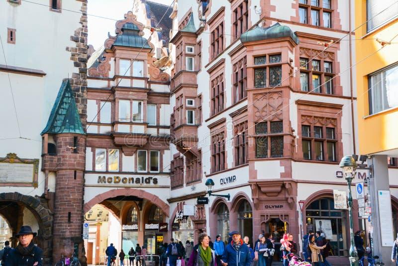 Oude Gebouwen in de Oude Stad van Freiburg royalty-vrije stock foto's