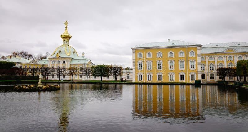 Oude gebouwen in Heilige Petersburg, Rusland royalty-vrije stock afbeelding