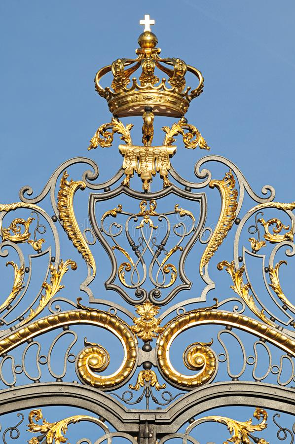 Oude gesmede ijzeromheining royalty-vrije stock afbeelding