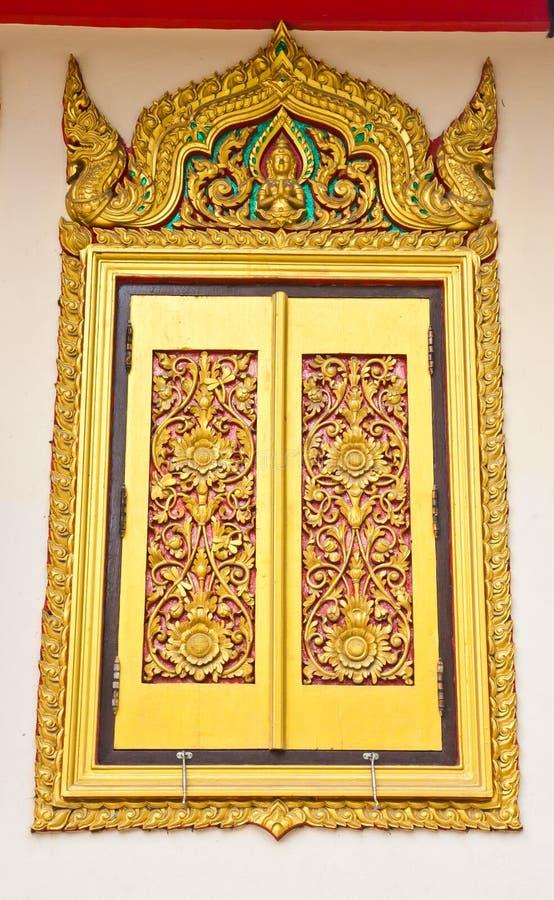 Oude Gouden gravure houten deur royalty-vrije stock foto