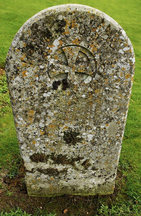 Download Oude grafsteen stock afbeelding. Afbeelding bestaande uit graveyard - 288825