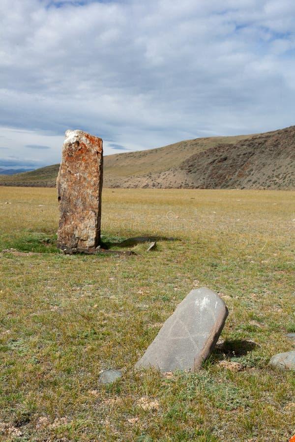 Oude grafzerken in de steppen van Altai royalty-vrije stock afbeelding