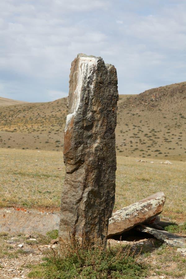 Oude grafzerken in de steppen van Altai stock foto