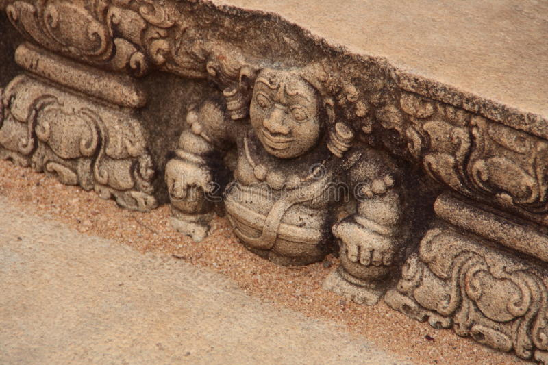 Oude gravure op een steen, Sri Lanka stock afbeelding