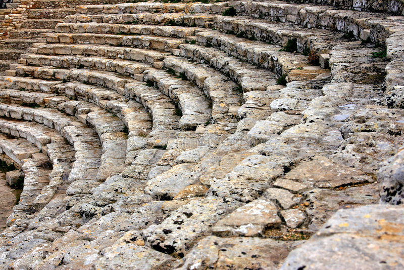 Oude Griekse theater marmeren treden, Sicilië stock foto's