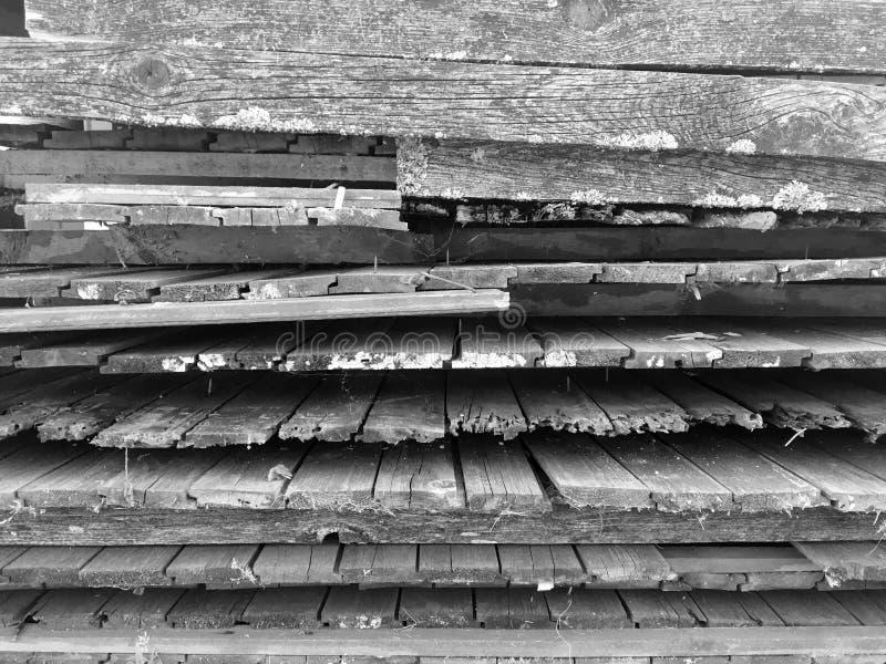 Oude grijze houten omheiningsachtergrond royalty-vrije stock foto