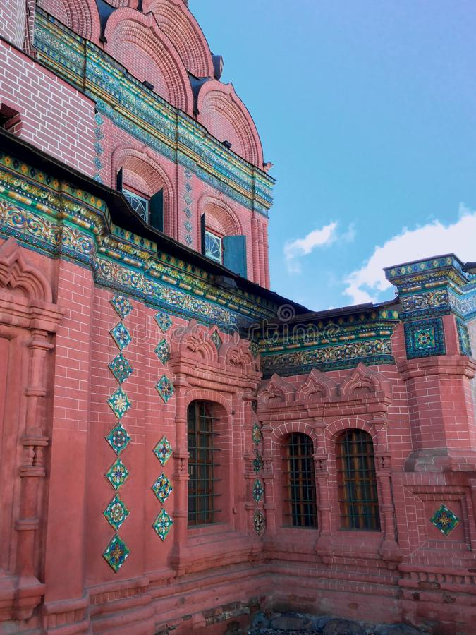 Oude groene bekwame tegels van de ortodoxkerk van Epiphany royalty-vrije stock fotografie