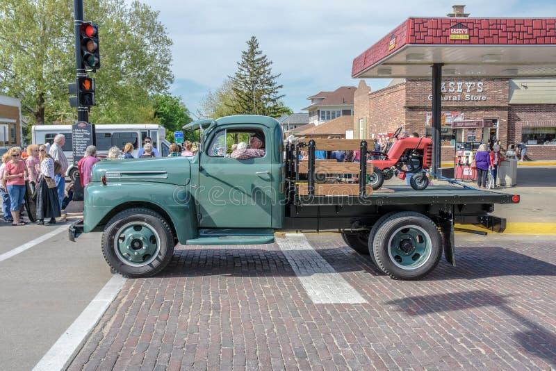 Oude Groene Vrachtwagen in Pella, Iowa royalty-vrije stock foto