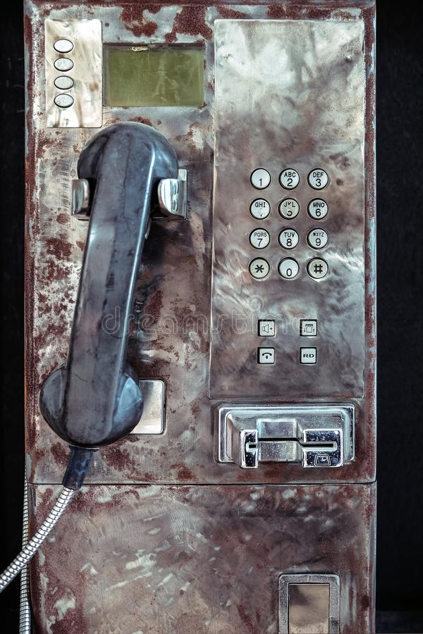 Oude Grungy Openbare Payphone stock foto's