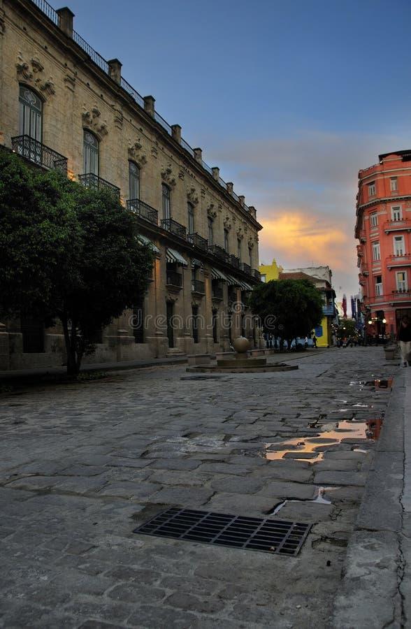 Oude Havana straat stock afbeeldingen