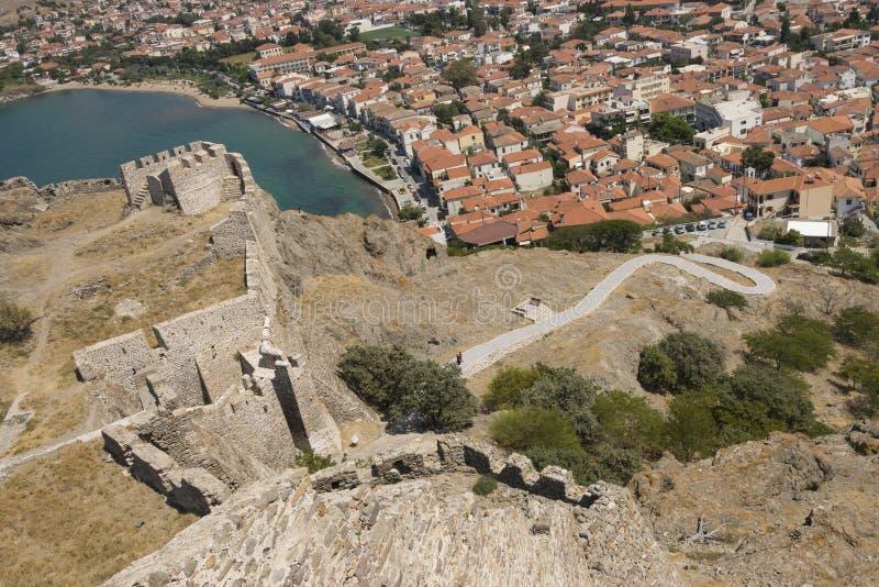 Oude het kasteelmening van het Lemnoseiland over stad Myrina royalty-vrije stock afbeelding