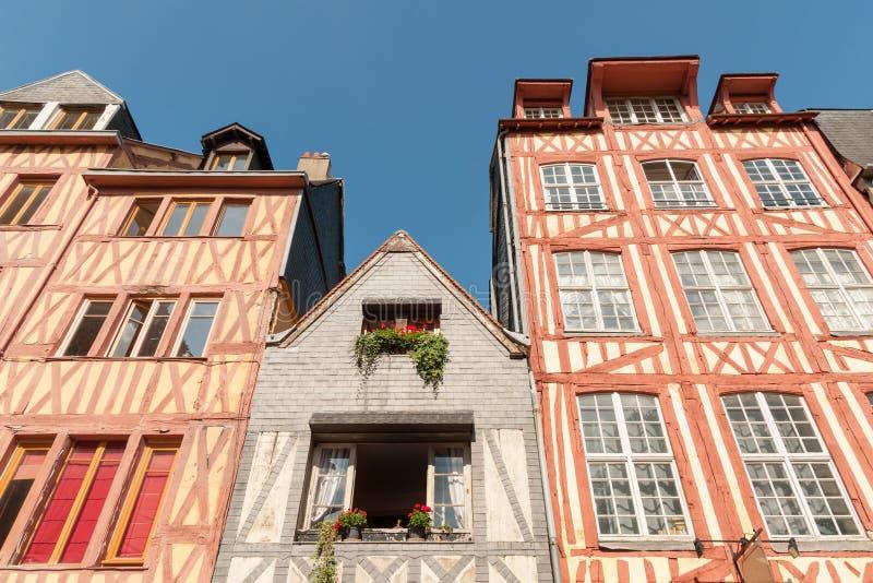 Oude houtbewerkte huizen in de historische Rouen royalty-vrije stock fotografie